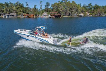 2019 Chaparral 264 SUNESTA SURF