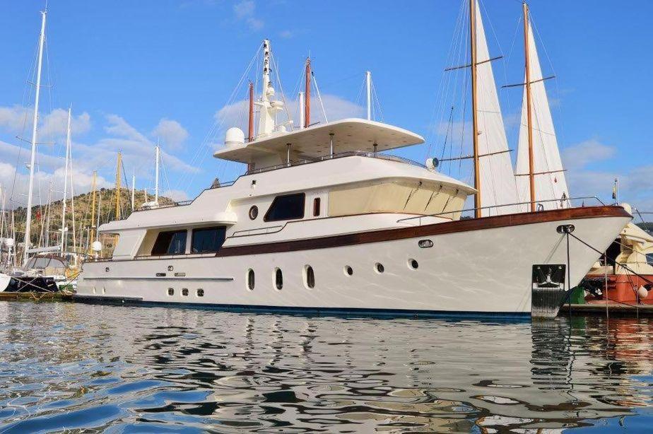 2008 custom trawler 30m