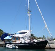 1977 Holland Boat Company DARTSAILER 30