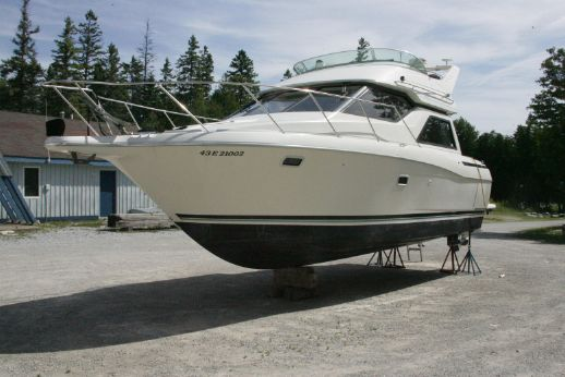 1996 Bayliner 3258 Command Bridge