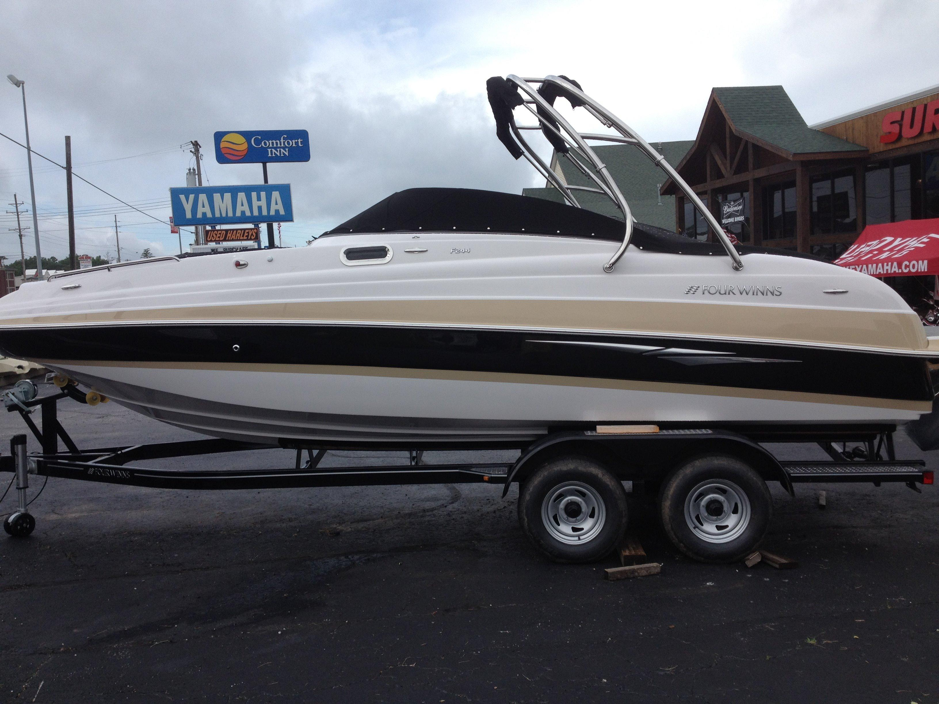 25 ft 2014 four winns f244