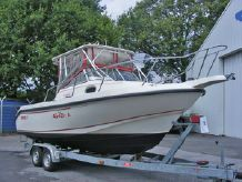 1999 Boston Whaler Conquest 23