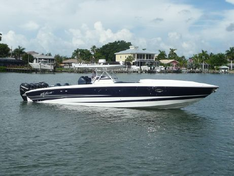 2011 Motion Marine 42 SF Center Console