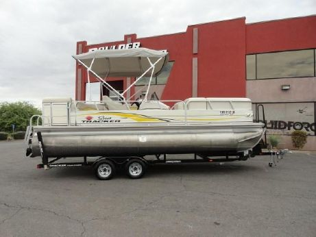 2007 Sun Tracker Party Barge® 22 I/O Regency Edition