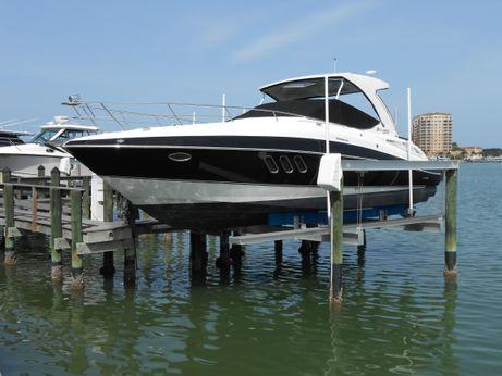 2011 Cruisers Yachts 330/350  Express