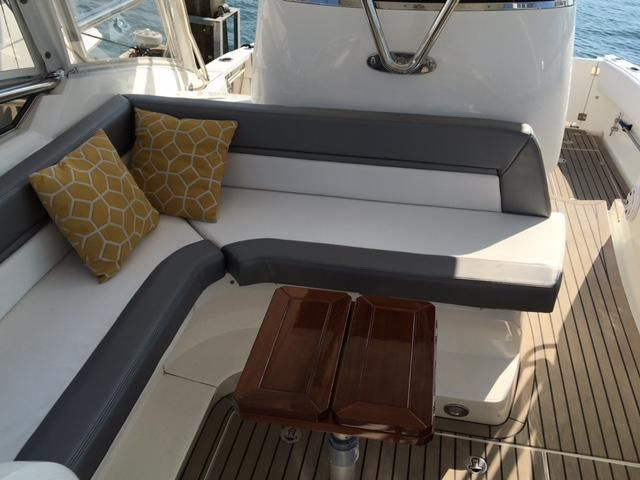 Sunseeker 37 Sportfisher Cockpit Seating