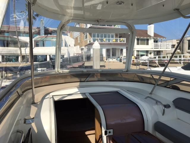 Sunseeker 37 Sportfisher Windshield