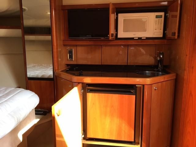 Sunseeker 37 Sportfisher Galley Kitchen