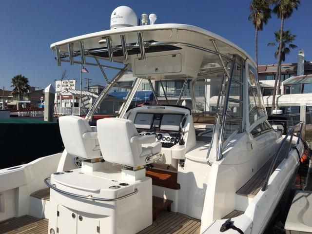 Sunseeker 37 Sportfisher Cockpit