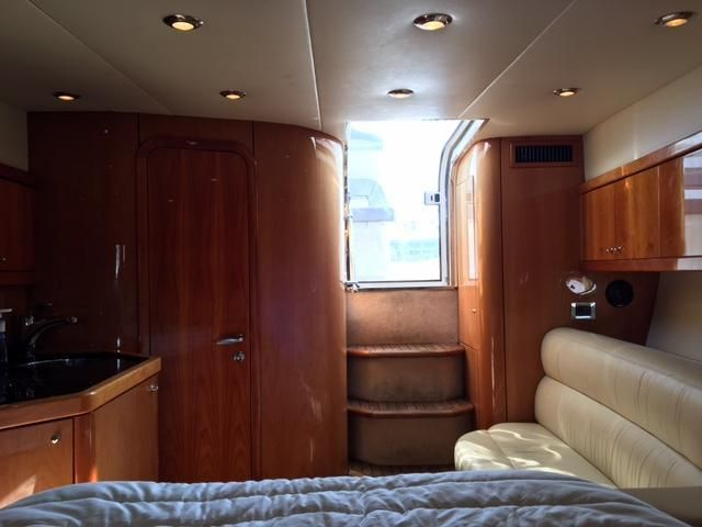 Sunseeker 37 Sportfisher Salon looking aft