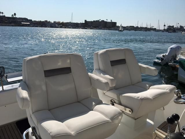 Sunseeker 37 Sportfisher Helm Seating