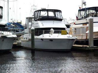 2002 Carver 404 Cockpit Motor Yacht