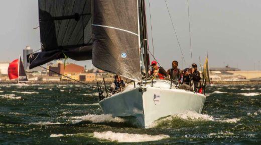 2012 X-Treme 37