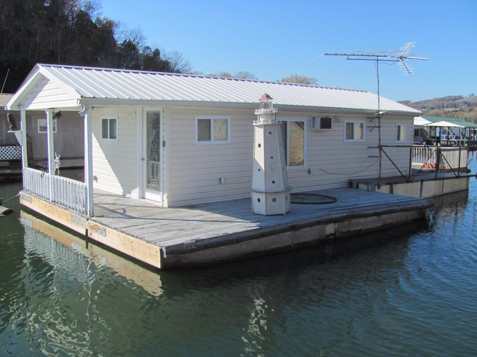 1980 Custom 450 Sqft Floating Cottage Power Boat For Sale
