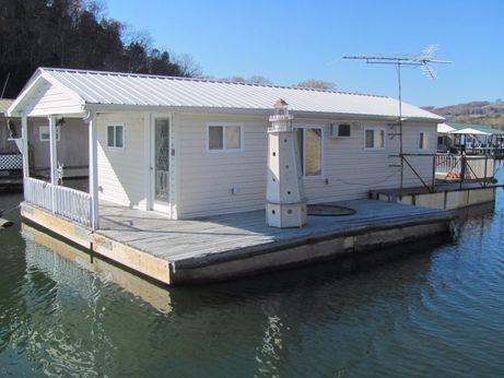 1980 Custom 450 sqft Floating Cottage