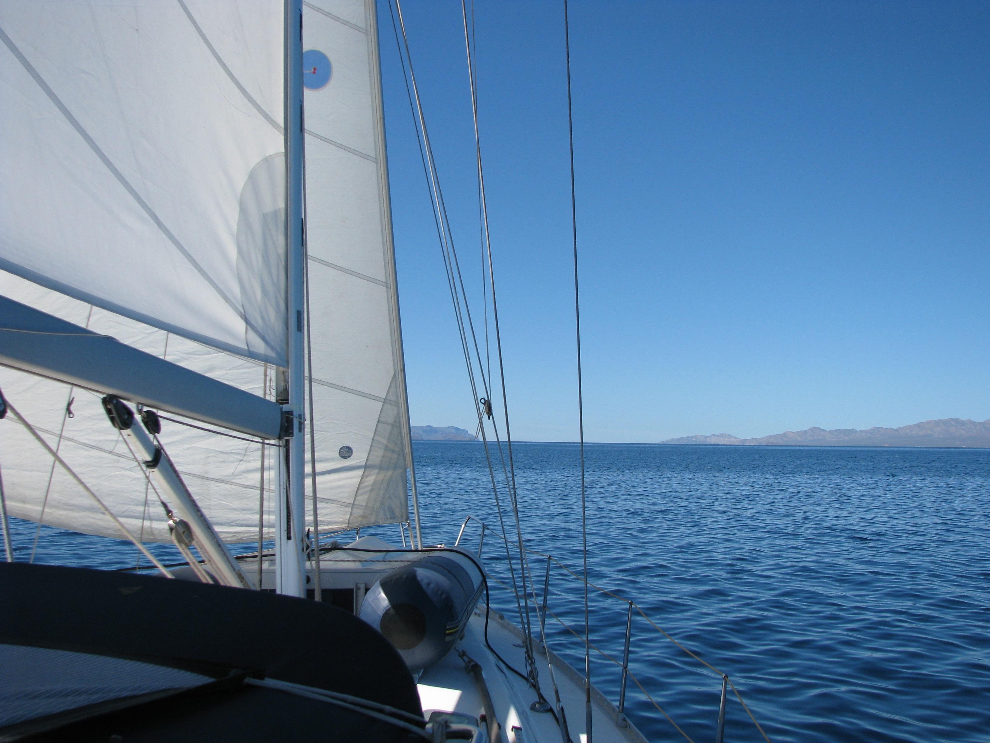 40' Beneteau Oceanis 400+Photo 6