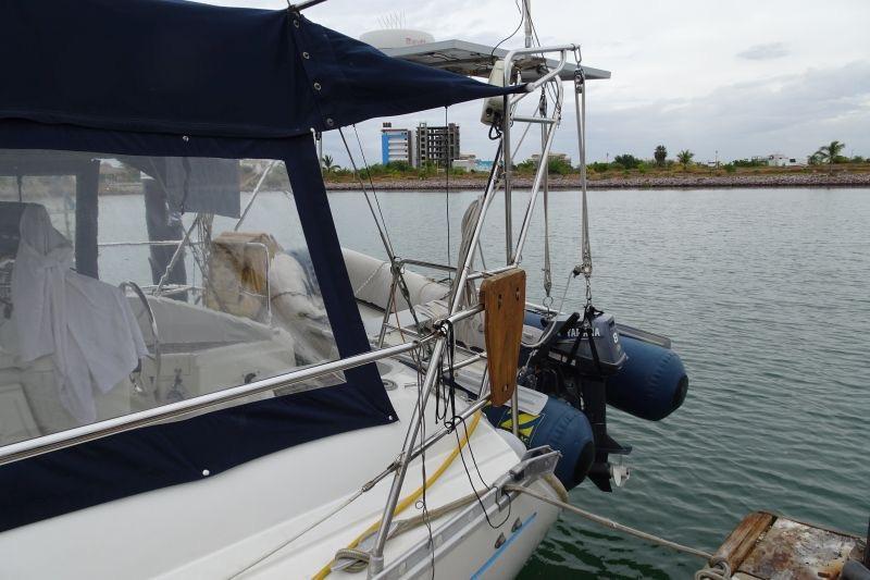 40' Beneteau Oceanis 400+Photo 55