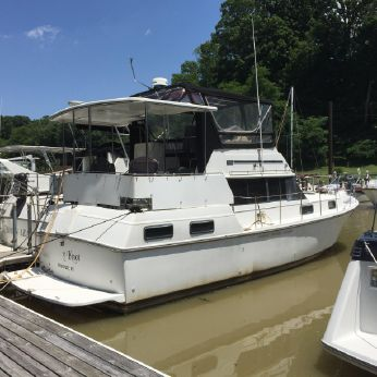 1988 Carver Yachts 36 After Cabin