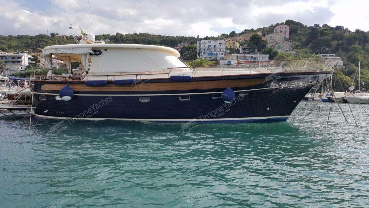 2008 fratelli aprea sorrento 50 motore barca in vendita for Gozzi arredamenti