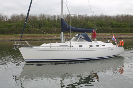 1998 Dufour 39 CC