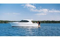 2014 Riviera 3600 Sport Yacht