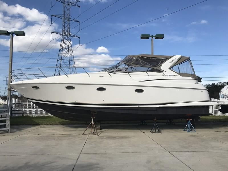 2002 Regal 3860 Commodore Power Boat For Sale - www.yachtworld.com