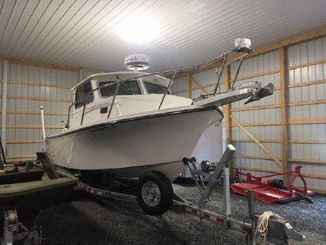 2014 Parker 2520 Deep Vee Sport Cabin