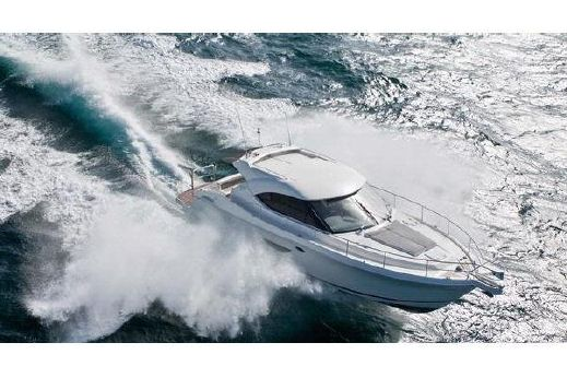 2017 Riviera 4400 Sport Yacht Series II
