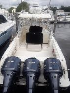 photo of  33' Hydra-Sports 3300 Vector Express