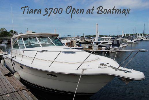 2000 Tiara 3700 Open