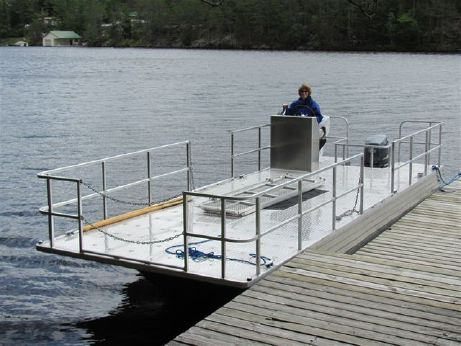 2012 Henley Deck Boat