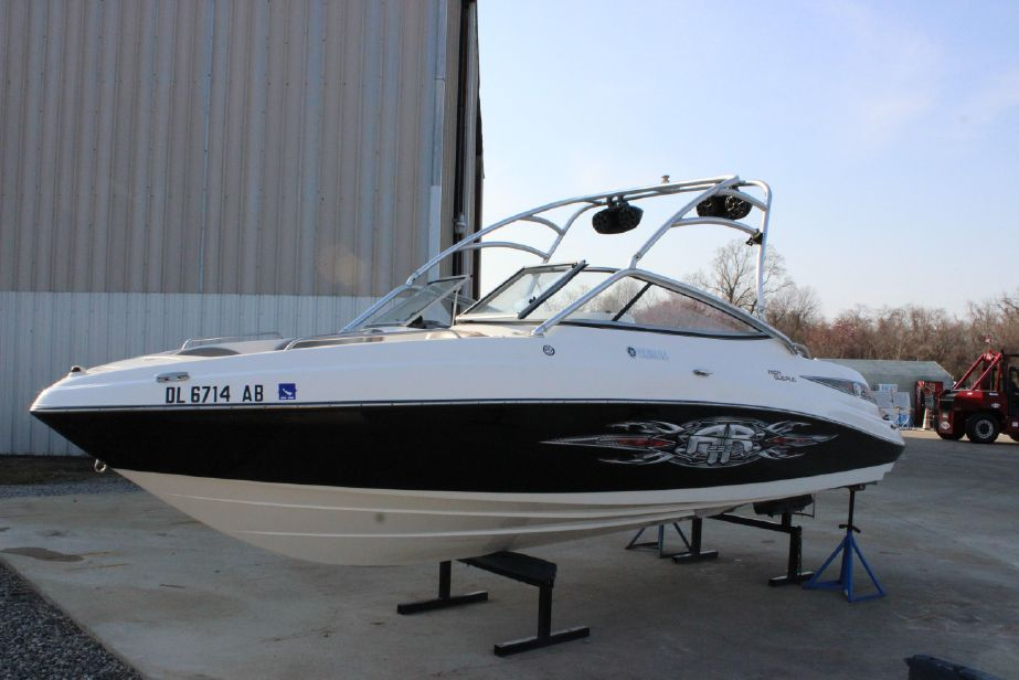 2008 Yamaha Boats AR 230 Power Boat For Sale