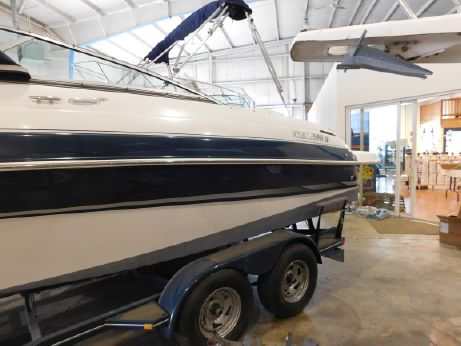 2004 Four Winns 225 Sundowner