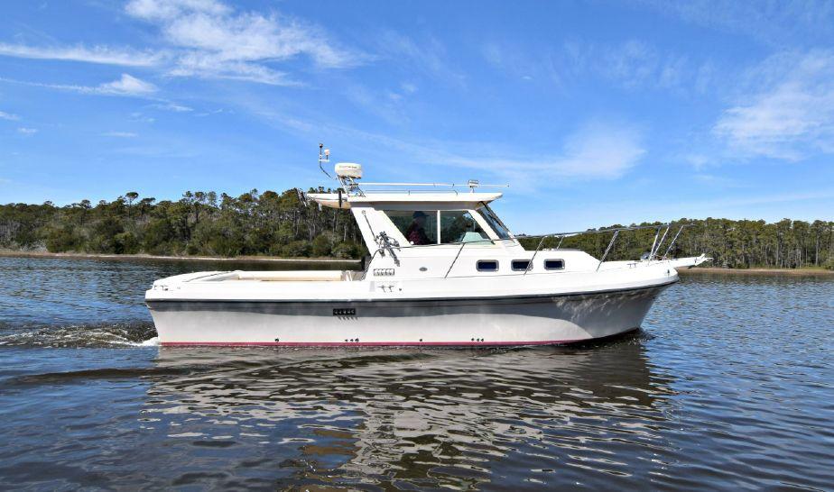 2006 Albin 28 T Flush Deck Power Boat For Sale - www