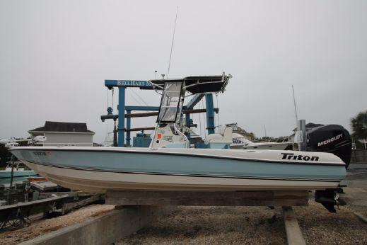 2006 Triton 240 LTS LOADED