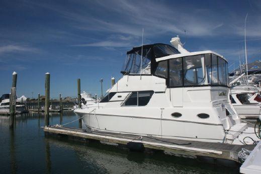 1999 Silverton Aft Cabin Motor Yacht