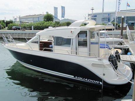 2010 Aquador AQ 28 cabin