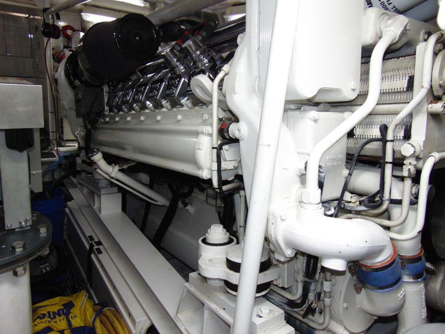 Viking 65 Enclosed Flybridge Yacht Diesel Engines