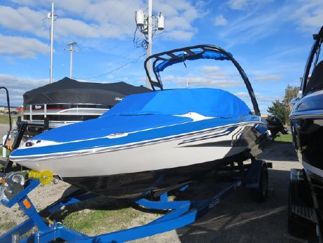 2015 Regal 1900 ESX Bowrider