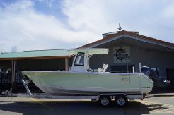 2019 Sea Hunt Gamefish 27 with Coffin Box