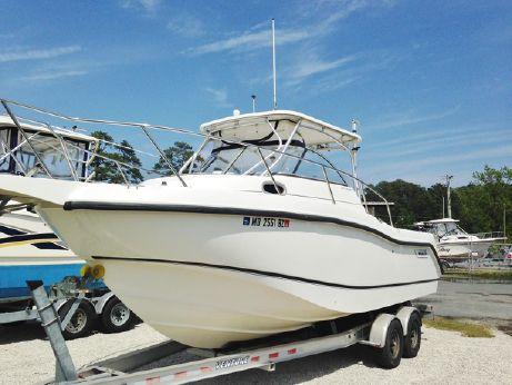 2005 Boston Whaler 255 Conquest