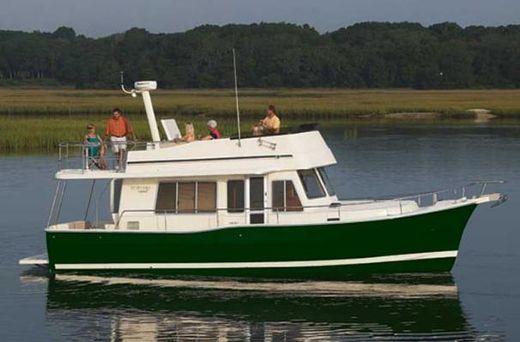 2011 Mainship 414 Trawler