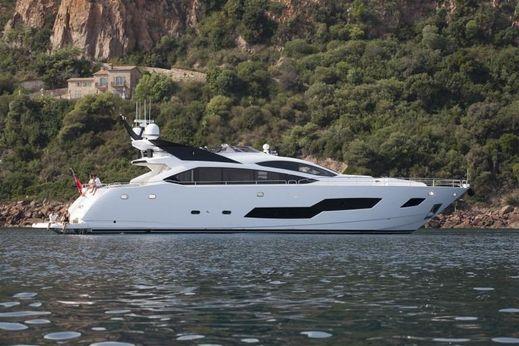 2016 Sunseeker 101 Sport Yacht