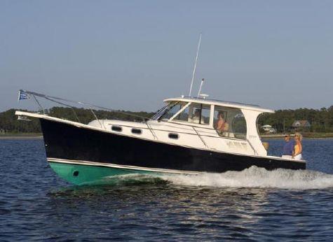 2011 Mainship 355 Pilot