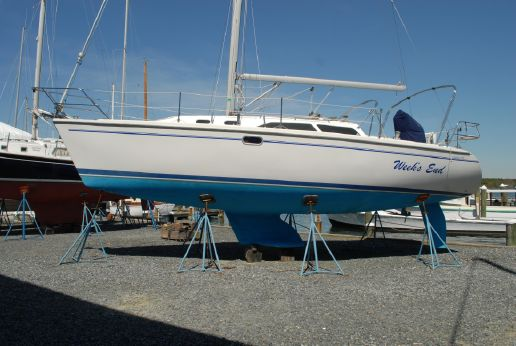 2003 Catalina sloop 320