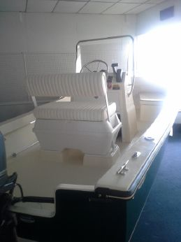 2013 Eastern Boats 18 Center Console