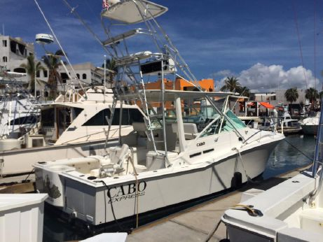 1996 Cabo Yachts Express w Tower