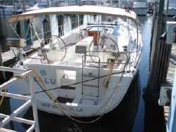 photo of 43' Beneteau 43