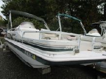 2002 Hurricane Fun Deck 196