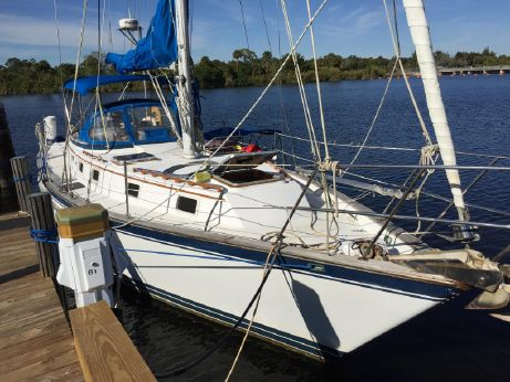 1983 Endeavour 40  Sloop